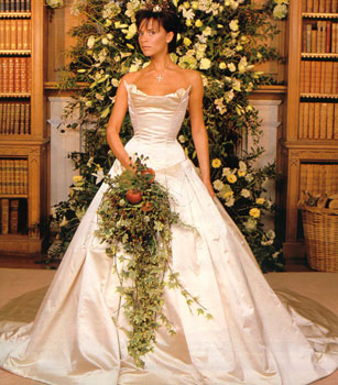 celeb wedding flashback david and victoria beckham wedding photos - Victoria Beckham Wedding Ring
