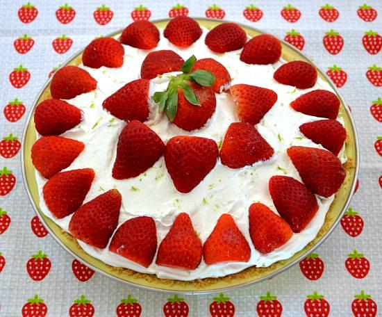 Valentine's Day Desserts: No-Bake Strawberry Cheesecake Pie