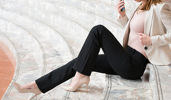 I'm Obsessed With These Travel Yoga Pants From BetaBrand