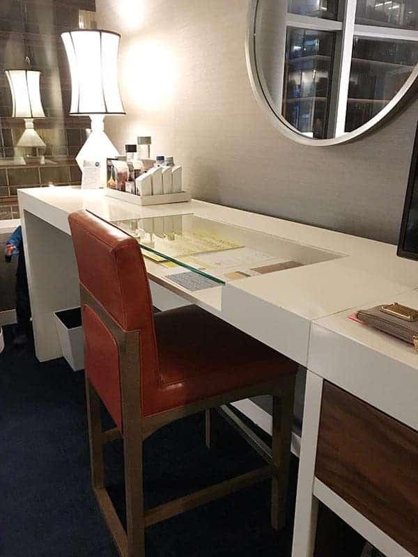Desk at Kinzie Hotel
