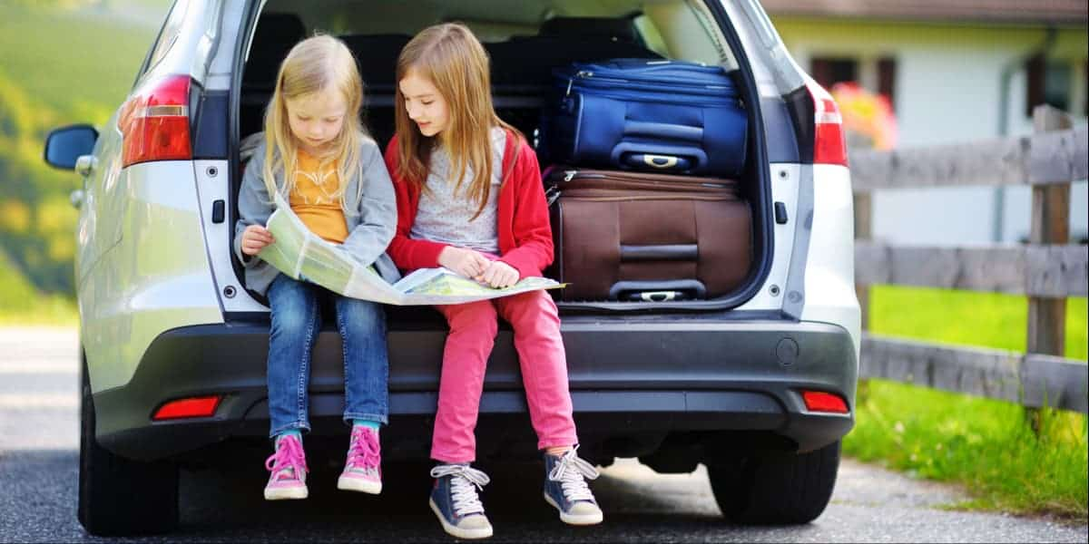 10 Items You Must Pack For A Family Road Trip